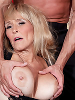 40 Something - Untie Me and Fuck Me! - Brittney Snow (58 Photos)