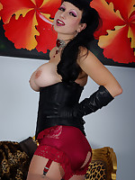 swatch me dance and show off in my sexy frilly burlesque outift. My FF.. - Granny Girdles